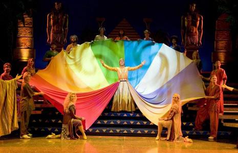 joseph-and-the-amazing-technicolor-dreamcoat-190745897